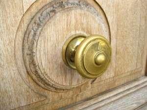 door-knob-57270_640