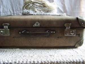 suitcase-79018_640